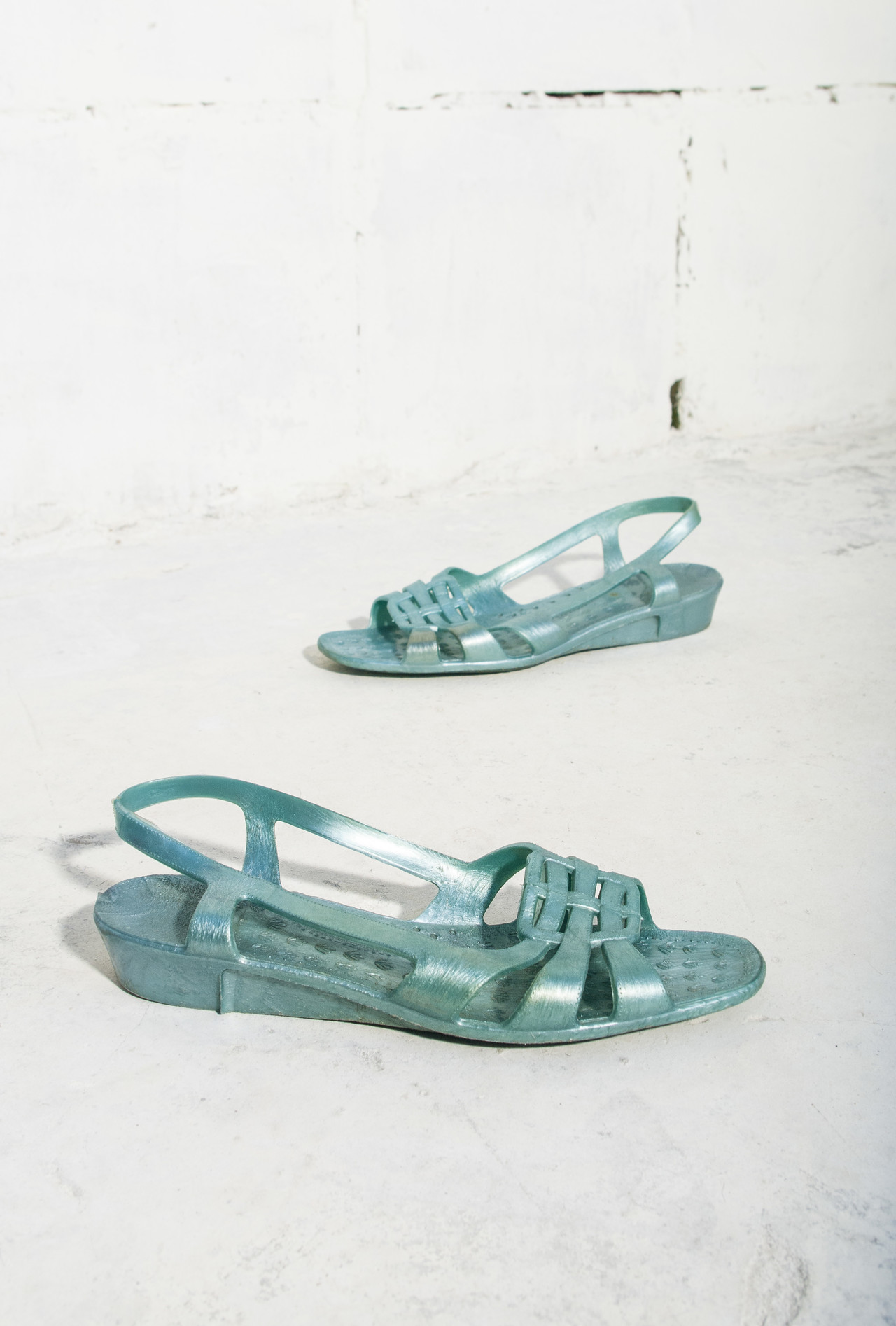 ac3ace8ed42 – 80s blue jelly sandals